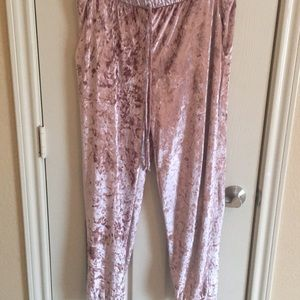 Cute sparkly pink pants!